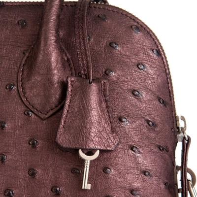 Женская сумка из кожи страуса.